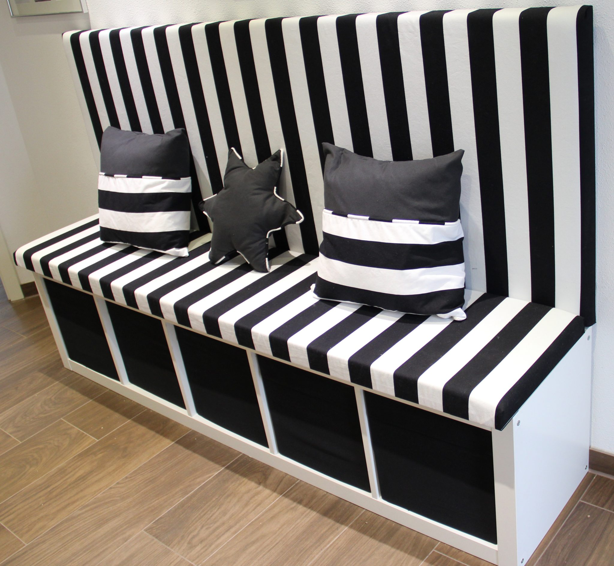 kallax ikea hack als bank rosadiy sch ne dinge machen das leben sch ner. Black Bedroom Furniture Sets. Home Design Ideas